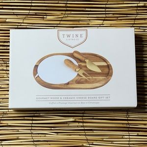 TWINE CHEESE BOARD WITH PLATE NEW IN BOX